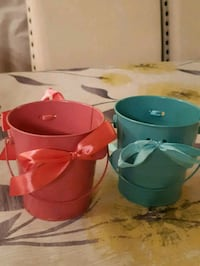 Pink and blue small buckets  Brampton, L6S 5Y3