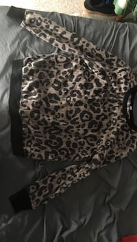 women's black and brown leopard print sweater Wauseon, 43567