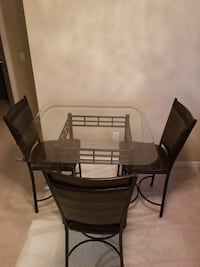 Dining table + 3 chairs set Richmond, V6X