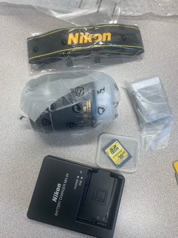BRAND NEW NIKON 3400 with 18-55mm, charger, battery, memory card, strap, box!!!! d3f6fc3d-2c00-44ca-856e-72cdd88353ff