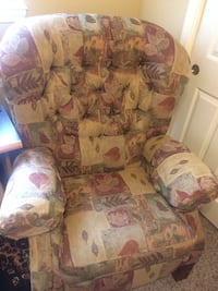 Lazy boy recliner Porterville, 93257