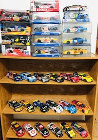 Nascars collections 1:24 scales die cast Metal