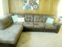 brown and white sectional couch Rio Rancho, 87124