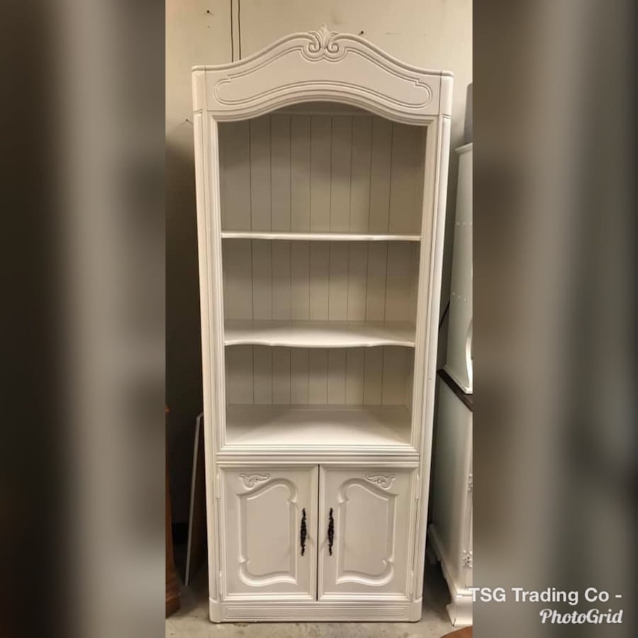 Deep bookcase with storage