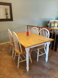 White/Natural Wood Dinner Table with 4 Chairs