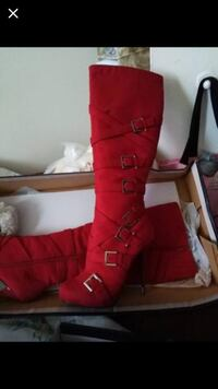 red  boots size 9 Toronto, M3M 2H2
