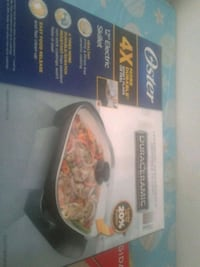 """OSTER Brand 12"""" Electric Skillet and Frigidaire brand pizza bake stone Toronto, M3N 2P9"""