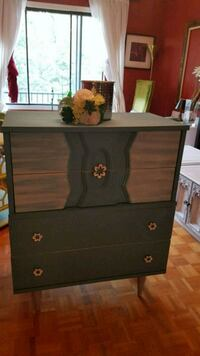 black wooden 3-drawer chest Montréal, H4N 2Z4