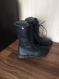 Size 8 - Combat boots Calgary, T2R 1A8