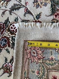 Hand knotted silk /wool very Fine Persian design 8' X 10'Rug