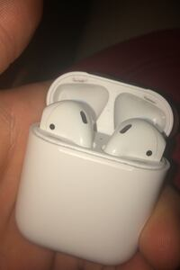 Air pods mint asking for 150 or can do trade Burlington, L7M 3P3