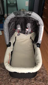 baby's white and gray car seat carrier Efland, 27243