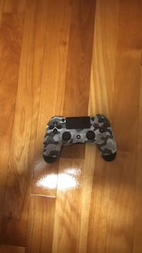 black and white camouflage Sony PS4 controller Montréal, H3N 2H8