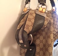 Authentic Gucci Shoulder Bag - gently used precious less than 10 times. Toronto, M2N
