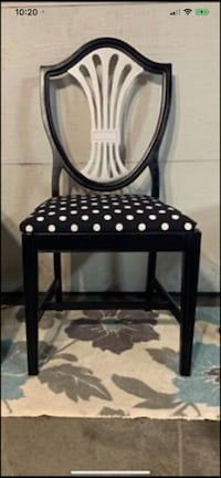ACCENT CHAIR ????