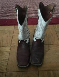 Pair of white-and-brown leather cowboy boots Columbus, 43221