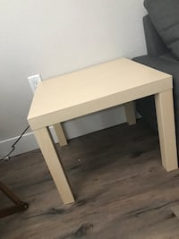 2 side tables Glendale, 80246