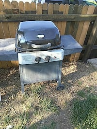 gray and black gas grill