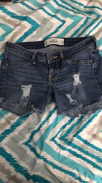 Hollister shorts size 3 Imperial, 92251