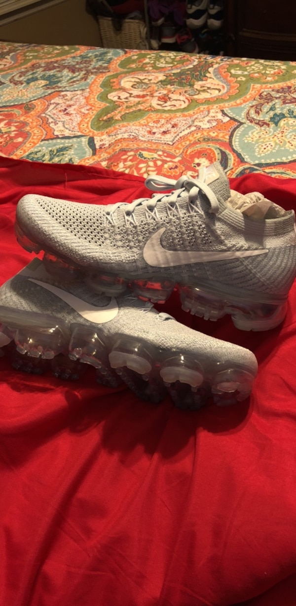 brand new 3c5f8 03909 New Women's size 8 vapormax normally $200