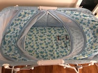 baby's blue and white bassinet Alexandria, 22304