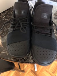 Jordon shoes size 4 youth Windsor, N9A 2S6