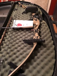 Hoyt compound bow and case old but never really used great condition Lancaster, 17603