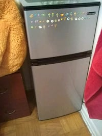 black and gray Frigidaire top-mount refrigerator Annandale, 22003