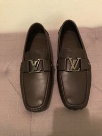 Pair of brown leather louis vuitton loafers 25 km