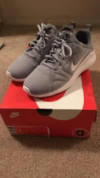 Women Nike Kaishi brand new condition, wrong size for me. Women's 7.5 Fort Wayne, 46808