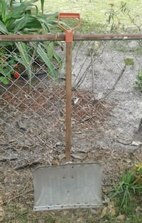 Vintage snow shovel! 801 mi