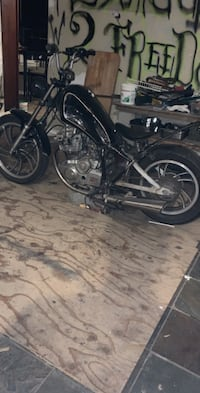 1998 yamaha part out or full bike  Toms River