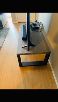 Like New coffee table Edmonton, T5H 0L9