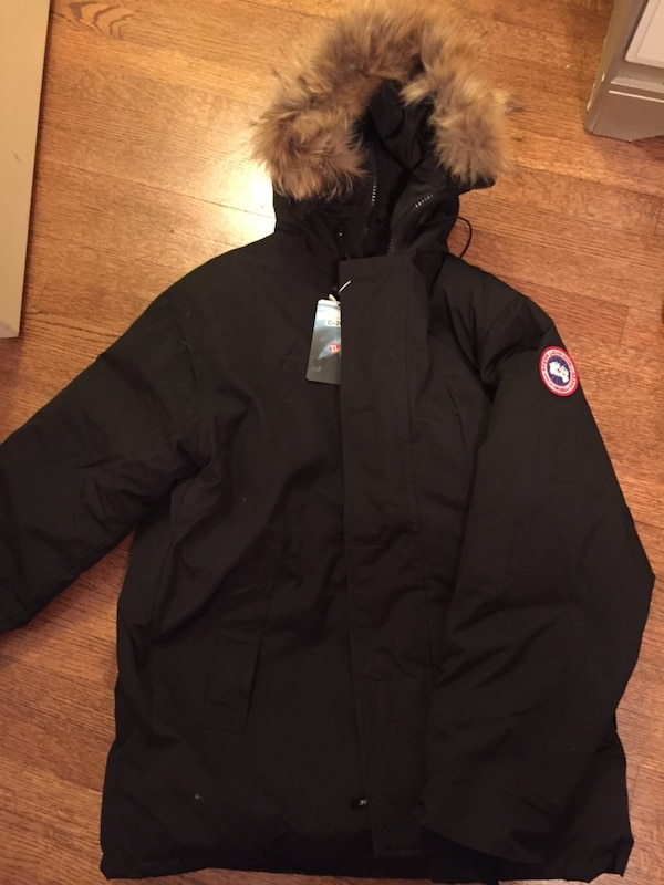 Used Canada goose Parker clone for sale in Libertyville - letgo 3bb195aa0aba