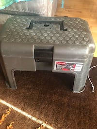 Rubbermaid Tool chest with storage  Edison
