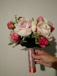 white and red rose posy bouquet Redding, 96002
