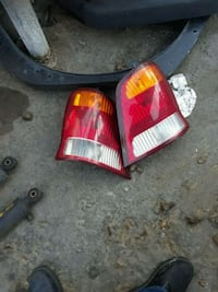 2001 Ford Windstar back tail lights Maywood, 90270