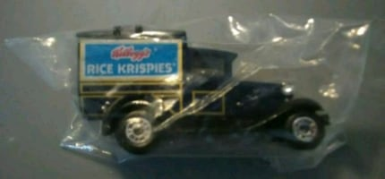 Price drop.79' Rice Krispy's & Hotwheels