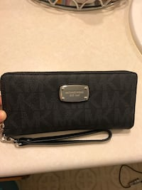BRAND NEW MICHAEL KORS WALLET North Las Vegas