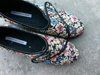 black-and-multicolored floral single hook-and-loop heeled shoes Ottawa, K2P