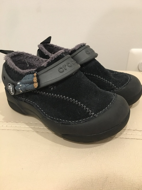 Crocs with fur, black color, size C9, gently used