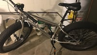 gray hardtail bicycle