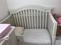 baby's white wooden crib Coral Gables, 33134