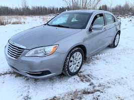 2013 Chrysler 200 low km