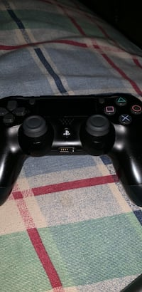 Ps4 controller Kitchener