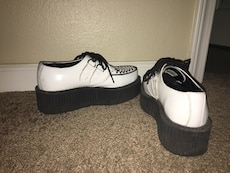 Black-and-white wedge low top lace up shoes