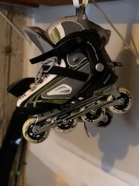 Black and white inline skate 8.5