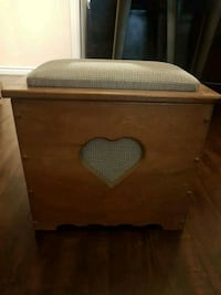 Heart storage bench Burlington, L7R 1Y9