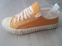 unpaired brun og hvit low-top sneaker Oslo, 0586