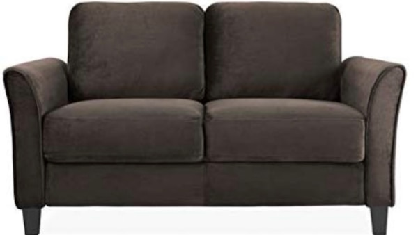 Traditional & Classic Loveseat